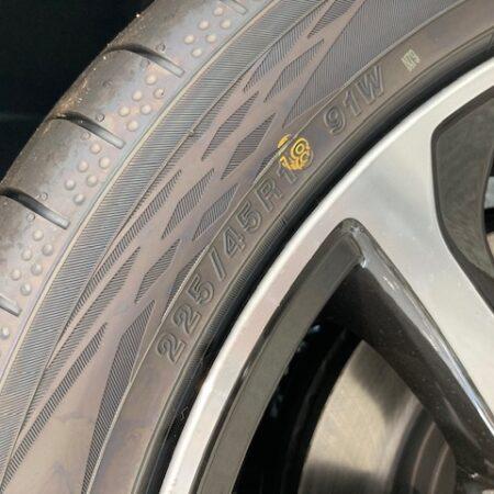 タイヤのインチダウンって?